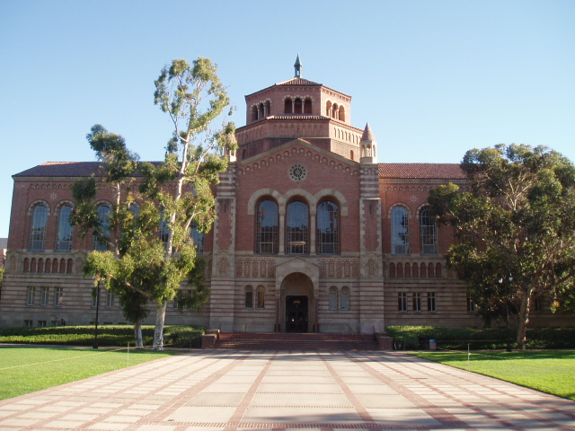 Powell_Library_UCLA_front_view